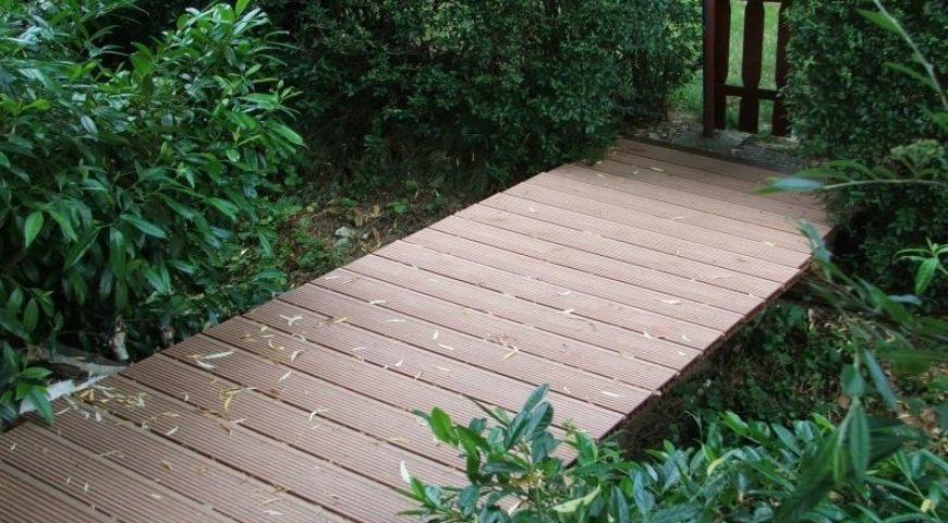 Оформляем дорожки террасной доской из лиственницы
