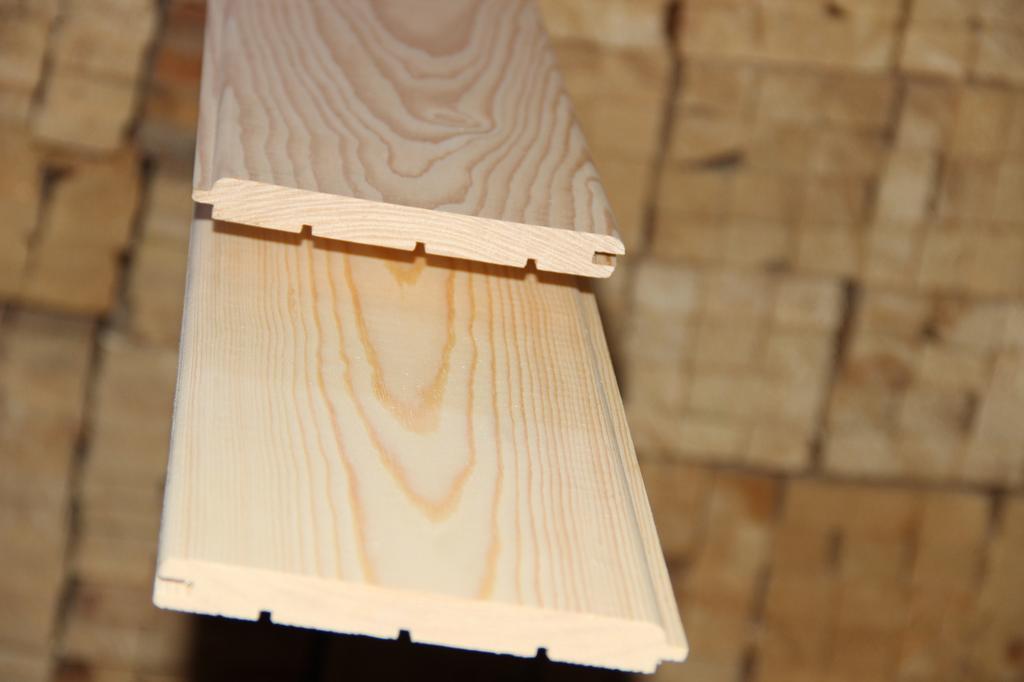 Вагонка и имитация бруса из сибирской лиственницы. Что выбрать?